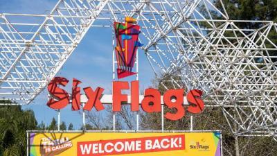 Roller Coaster Tertinggi di Dunia Ini Siap Meluncur