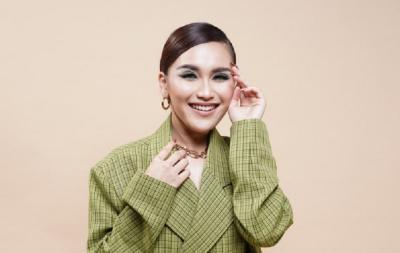 5 OOTD Korean Style ala Ayu Ting-Ting, Mirip Idol K-Pop!