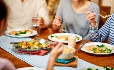 Traveler Wajib Tahu, Begini Etika dan Budaya Makan di Berbagai Negara