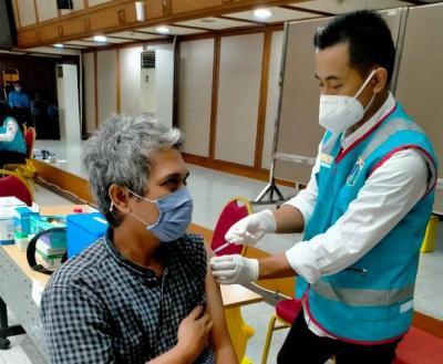 Suntikan Dosis Pertama Vaksin Covid-19 Mencapai 51,81%