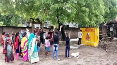 Warga Desa di India Bangun Kuil untuk Dewi Corona
