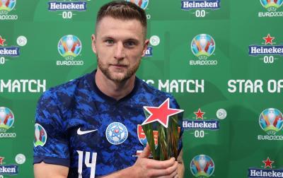 <i>Man of the Match</i> Polandia vs Slovakia di Piala Eropa 2020: Milan Skriniar