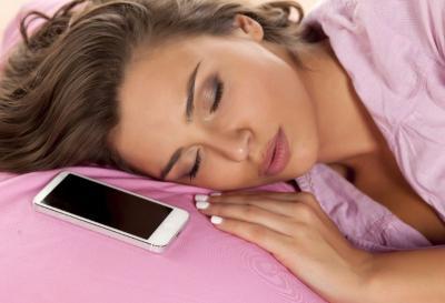 Tidur Sambil Dengarkan Musik Malah Bisa Sebabkan Earworms Loh