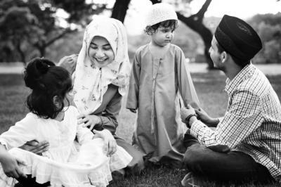 Ayah Bunda, Baca Doa Ini ketika Mendidik Anak-Anak