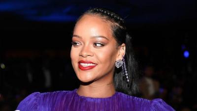 Celana Legging Rihanna Bikin Heboh, Area Sensitif Disorot!