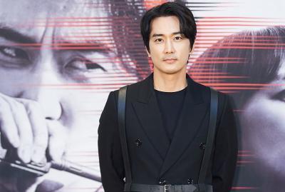 Usaha Song Seung Heon Lepas dari Bayang-bayang Jang Hyuk dan Lee Jin Wook di Voice 4