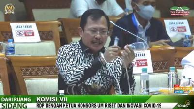 Terawan Pamerkan Cara Membuat Vaksin Nusantara di Depan Anggota DPR