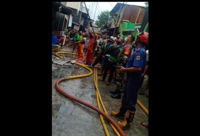 Kebakaran di Pademangan, Rumah yang Dilalap Api Bertambah Jadi 25
