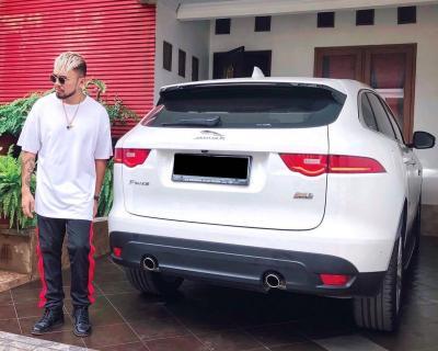 5 Koleksi Mobil Mewah Roy Ricardo, Mercy hingga Jaguar