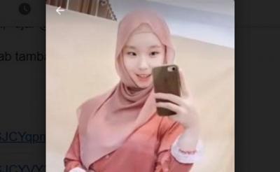 Perempuan Non-Muslim Viral Gara-Gara Suka Pakai Jilbab, Netizen: Cantik Banget