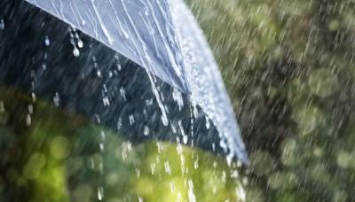 Hujan Intai DKI Jakarta pada Siang Hari