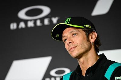 Terpuruk di MotoGP 2021, tapi Valentino Rossi Tetap Dihormati