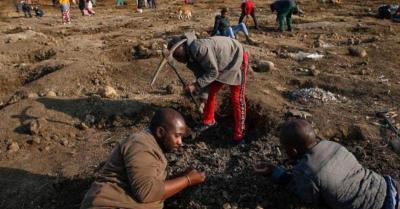 Ribuan Orang Bergegas ke Desa Berburu Berlian di Afrika Selatan