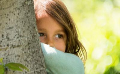 5 Tips Mendukung Anak Pemalu