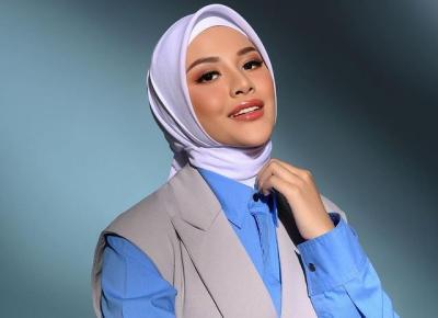 4 Inspirasi Gaya Hijab Terbaru Aurel Hermansyah, Modis dan Glamor