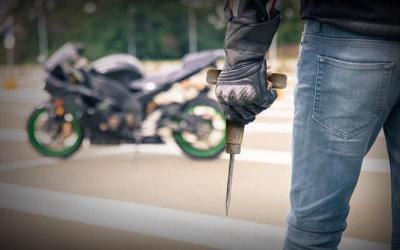 Video Viral, Pencuri Sepeda Motor Hanya Perlu 2 Detik Jalankan Aksinya