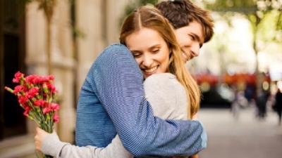 10 Kata-Kata Bijak Cinta Bikin Senyum-Senyum Dimabuk Asmara