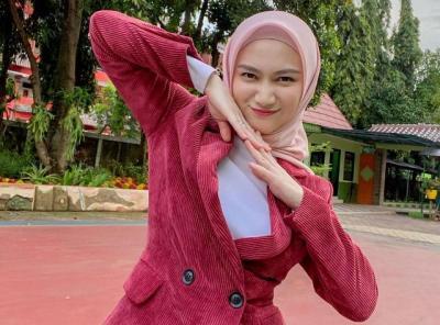 Makin Cantik, Intip 5 OOTD Hijab Simpel nan Modis ala Melody Laksani Eks JKT48