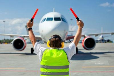 Maskapai AS Batalkan Ratusan Penerbangan, Apa Penyebabnya?