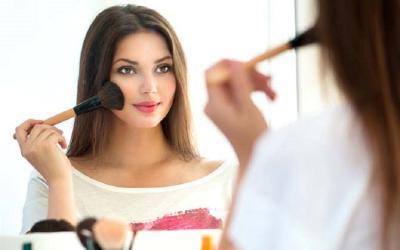 Tips Makeup Fresh dan Tahan Lama, Dicoba Yuk!