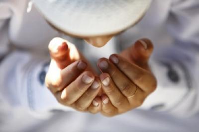 Perbanyak Baca Doa Ini Agar Terhindar Covid-19