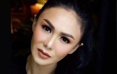 Yuni Shara Olahraga Pamer Tubuh Singset, Netizen: Gila Umurnya Sudah Mau 50 Tahun Loh!