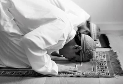 Sholat Rawatib Dikerjakan di Rumah Saat Tinggi Kasus Covid-19 di Jakarta