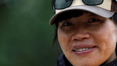 Usai Pecahkan Rekor Pendakian Everest, Wanita Ini Tak Bisa Pulang ke Negaranya