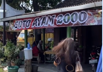 Viral! Harga Soto Cuma Rp2.000, Rasanya Gimana?