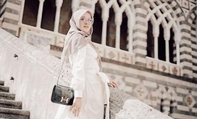 Intip 5 OOTD Hijab Cantik dan Stylish ala Olla Ramlan