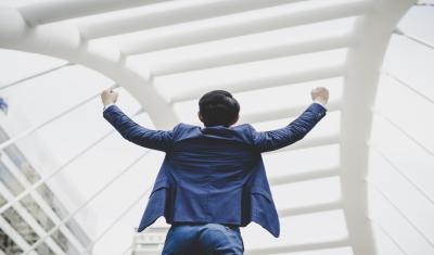 Mumpung Lagi Sukses Jangan Lupa Bersedekah dan Berbagi Kepada Sesama