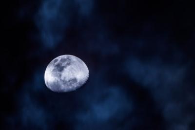 Bulan Satelit Alami Terbesar di Tata Surya? Ini Jawaban Alquran dan Sains