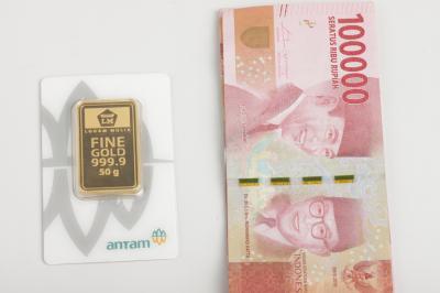 Harga Emas Antam Tetap Dibanderol Rp932.000 Gram
