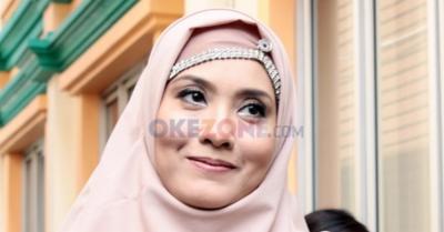 Wajah Penuh Lebam, Elma Theana Bantah sang Ibunda Jadi Korban Penganiayaan