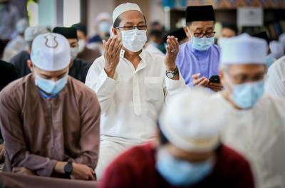 Keutamaan Hari Jumat, Buat Istri Mandi Junub Setelah Itu Segera ke Masjid untuk Sholat