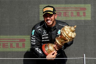 Soal Insiden di F1 Inggris 2021, Daniel Ricciardo Sebut Lewis Hamilton Terlalu Agresif