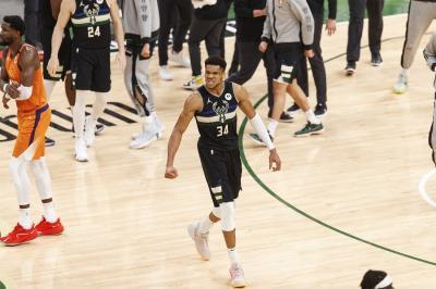 Milwaukee Bucks Juara NBA 2020-2021, Giannis Antetokounmpo Banjir Pujian