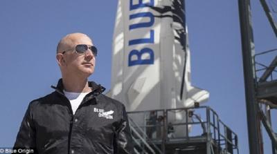 Cerita Jeff Bezos, Orang Terkaya Dunia Rp3.000 Triliun ke Luar Angkasa 10 Menit