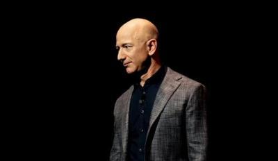 Sukses Meluncur ke Angkasa, Gaji Jeff Bezos Capai Rp2 Miliar Per Menit