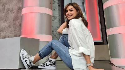 5 Gaya OOTD Najwa Shihab On Duty, Edgy Casual!