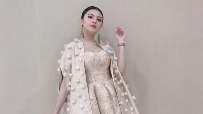 Okezone Stories: Bella Queen Ungkap Keseruan di Balik Video Klip Teman Biasa