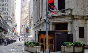 Wall Street Menguat, Catat Rekor Tertinggi