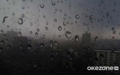 Hujan Petir Diprediksi Melanda Jakarta di Siang Hari