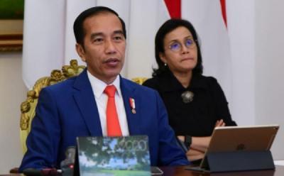 Presiden Jokowi Tambah Bansos saat PPKM Level 4