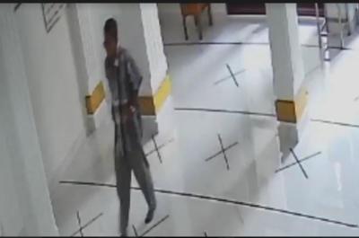 Terekam CCTV, Maling Ini Gondol Uang dari 3 Kotak Amal di Mushola Nurul Hikmah Pesanggrahan