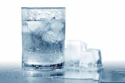 Punya Migrain? Jangan Minum Air Es Terlalu Sering Ya