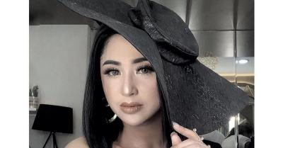 Sambil Menangis, Dewi Perssik Menyesal Tidur di Paha Aldi Taher