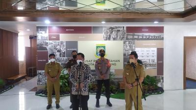 Tinjau Penanganan Covid-19 di Tangerang, Mendagri Minta BOR RS di Bawah 50 Persen