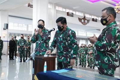 Resmikan Lapangan Putra Angkasa, Panglima TNI Harap Kualitas dan Semangat Taruna AAU Meningkat