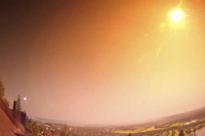 Meteor Meledak di Langit Norwegia, Munculkan Cahaya & Gemuruh Mengerikan